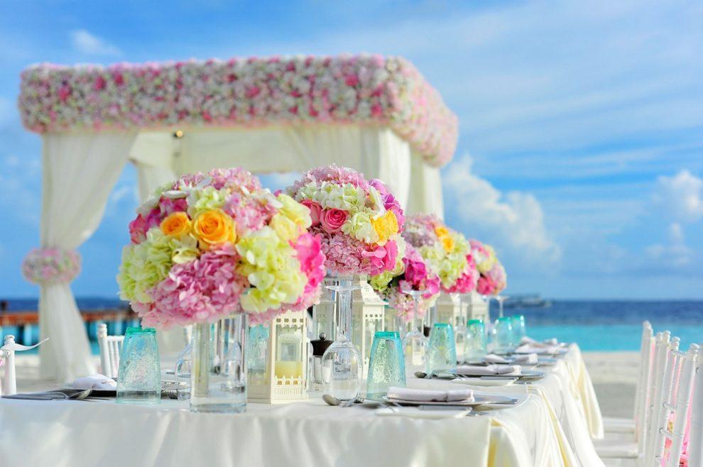 Съветите на един аранжор – как да изберем правилно цвета и декорацията на сватбата
